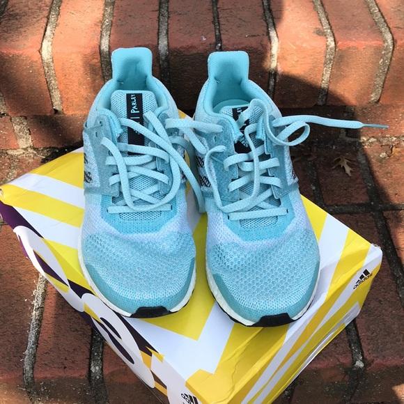 MUST SELL! NEW Adidas Ultraboost ST w Parley NWT